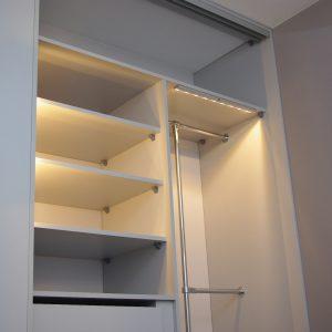 Oświetlenie w szafie